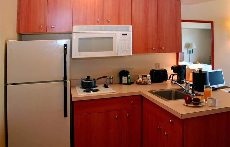 Best Western Plus Navigator Inn & Suites - Room - 21