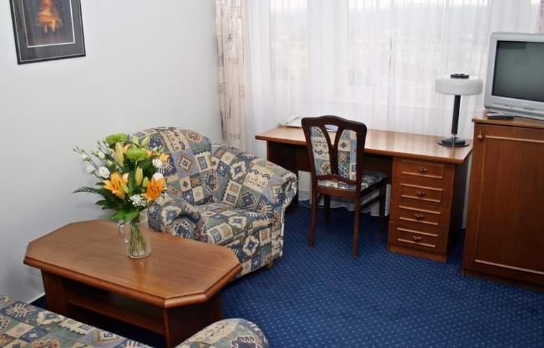 Ilf - Room - 5