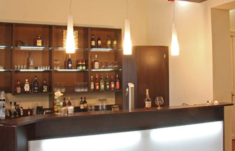 Upper Room Hotel Am Kurfurstendamm - Bar - 3