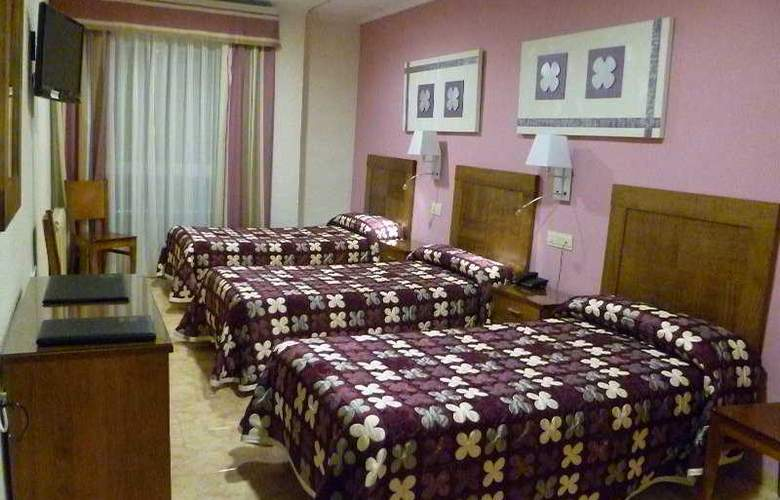 Manolo - Room - 6