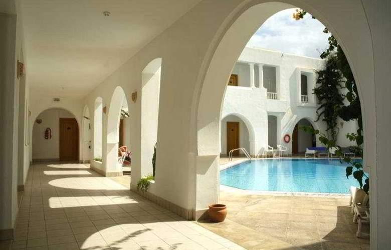 Jasmina Playa - Pool - 3