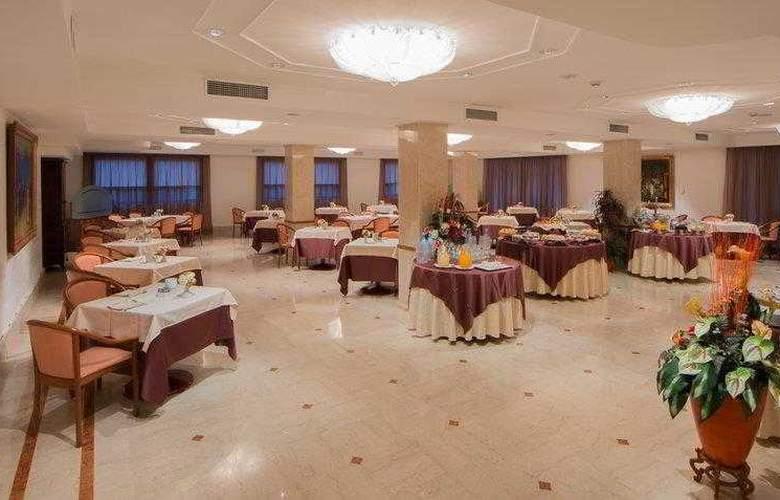 Best Western Globus City - Hotel - 10