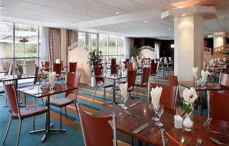 Holiday Inn Bristol Airport - Restaurant - 4