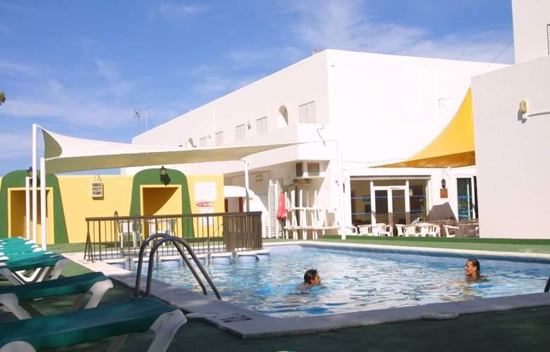 Apartamentos Art - Pool - 2