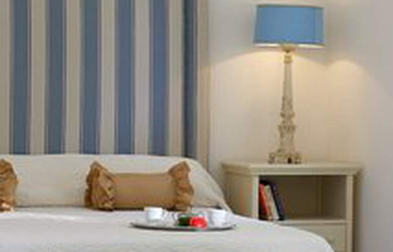 Yria - Room - 0