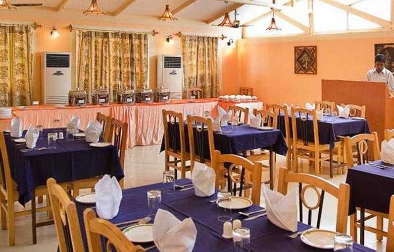 Lotus Beach Resort - Restaurant - 5