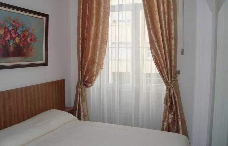 Residencial Porto Madrid - Room - 0