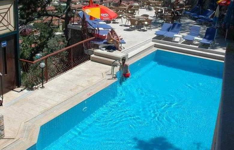 Belle Vue Hotel - Pool - 6