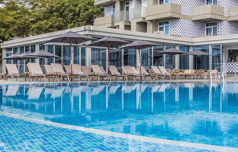 Allegro Madeira – Adults Only - Pool - 2