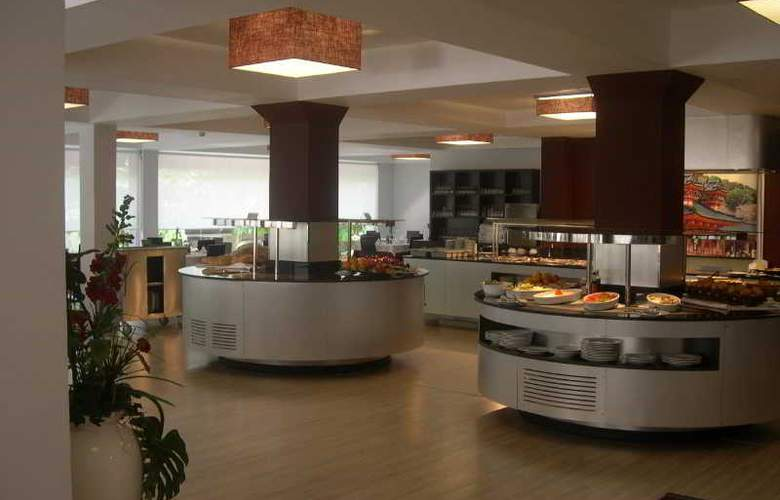 President - Restaurant - 9