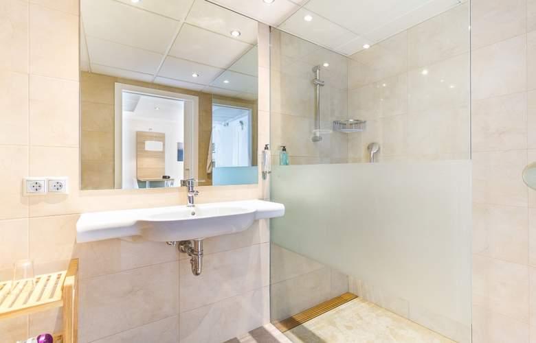 Eix Lagotel Hotel y apartamentos - Room - 17