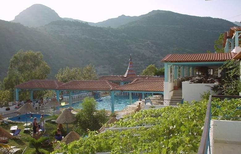 Eden Rock Village Hotel - Hotel - 2