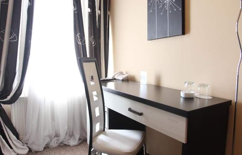 Diplomat Hotel - Room - 25