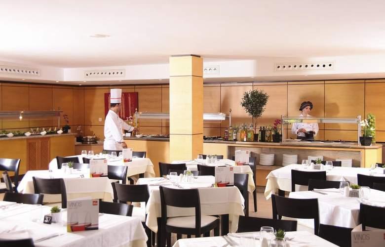 Zafiro Cala Mesquida - Restaurant - 17
