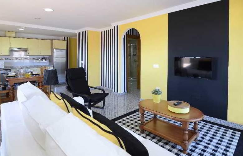 Apartamentos Nuria Sol - Room - 10