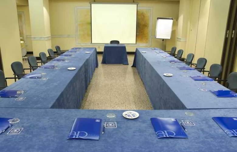 Los Arcos - Conference - 4