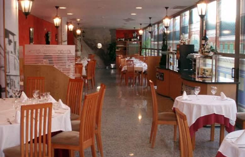 Sercotel Aparthotel Suites Huesca - Restaurant - 8