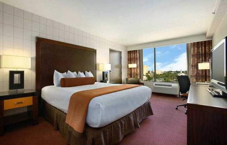 Red Lion Hotel Anaheim - Room - 4
