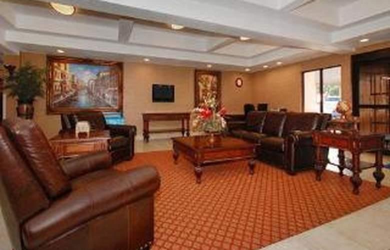 Comfort Inn & Suites At Vance Jackson - General - 2