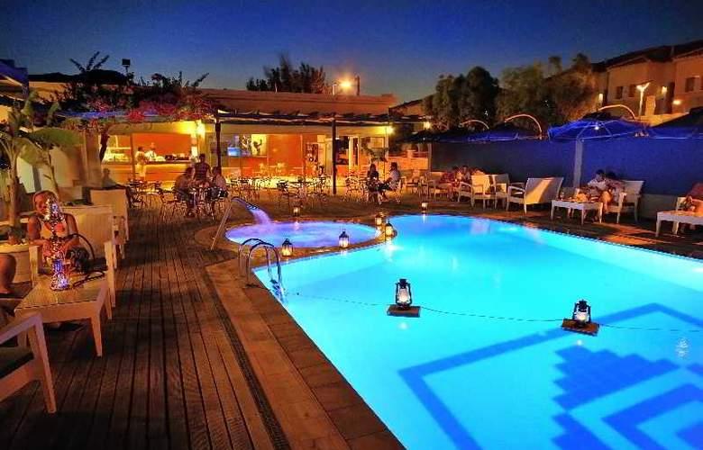 Kolymbia Bay Art - Pool - 10