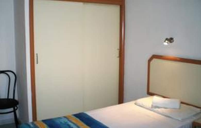 Apartamentos las Gacelas - Room - 9