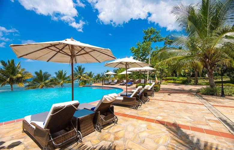 Sea Cliff Resort & Spa - Pool - 3