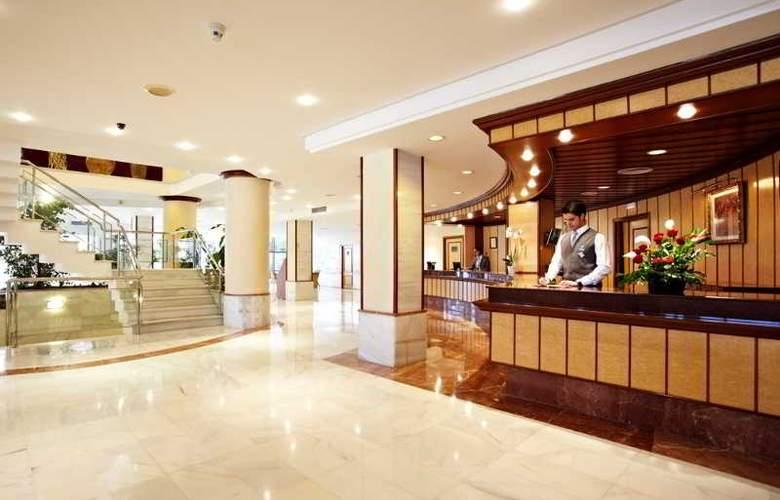 Grupotel Taurus Park Hotel - General - 10