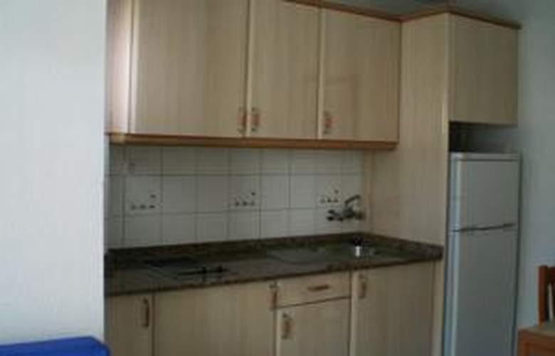 Apartamentos las Gacelas - Room - 18