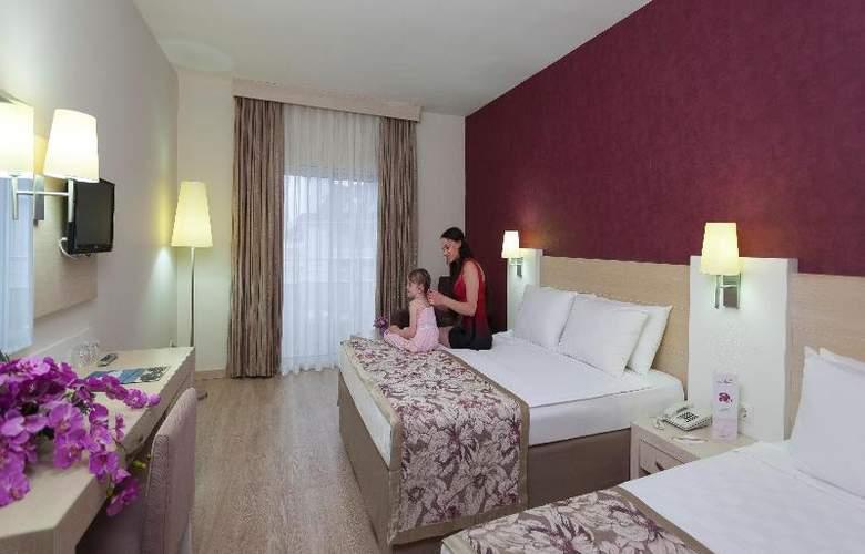 Lilyum Hotel - Room - 7