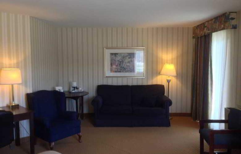 Quality Hotel & Suites - Room - 6