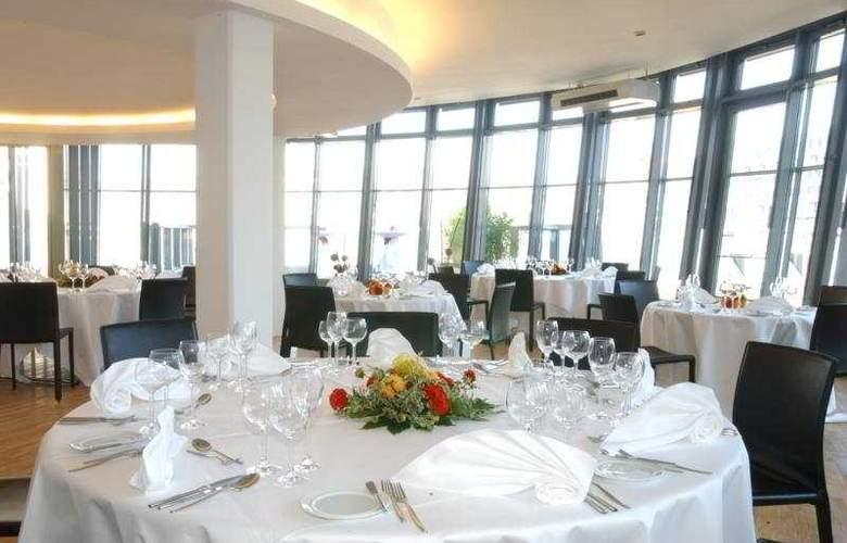 Alexander Plaza - Restaurant - 8