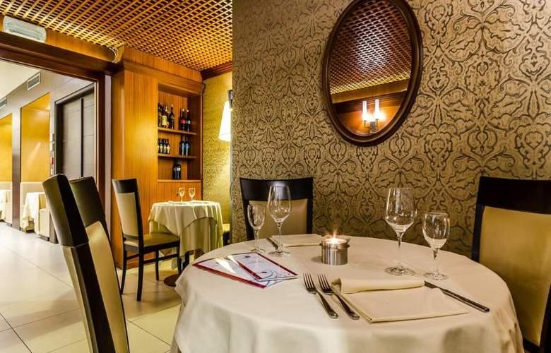 Smart Holiday - Restaurant - 14