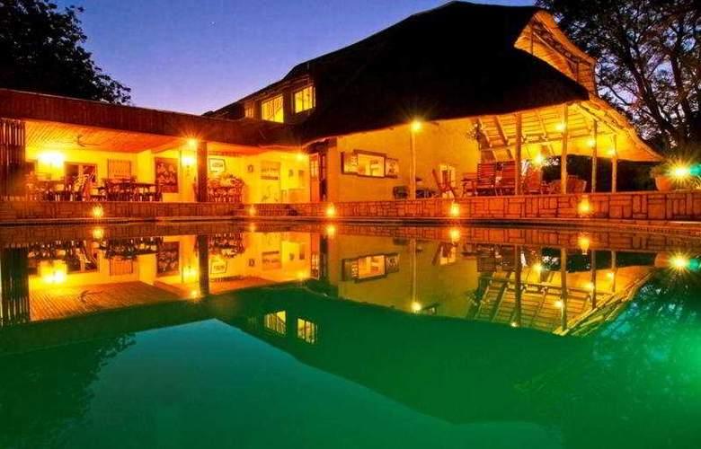 Kubu Safari Lodge - Pool - 5