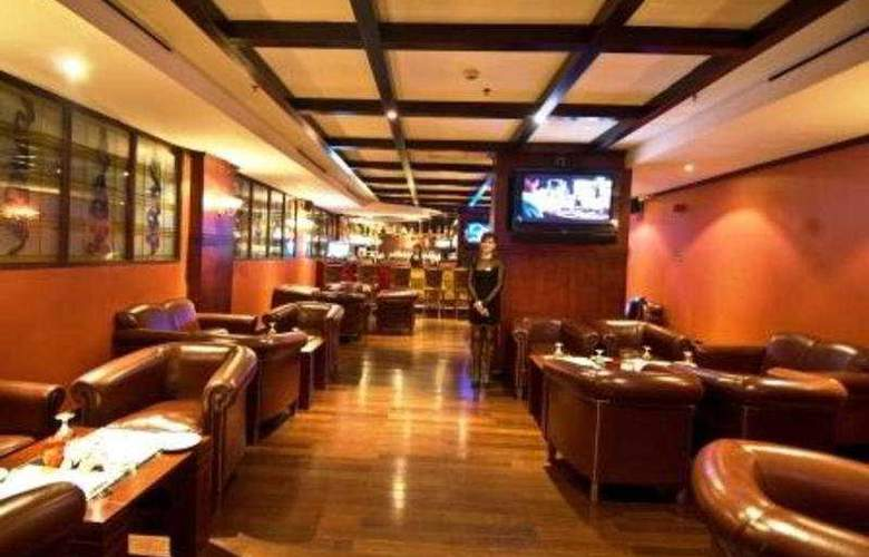 Ramee Royal Hotel Dubai - Restaurant - 12