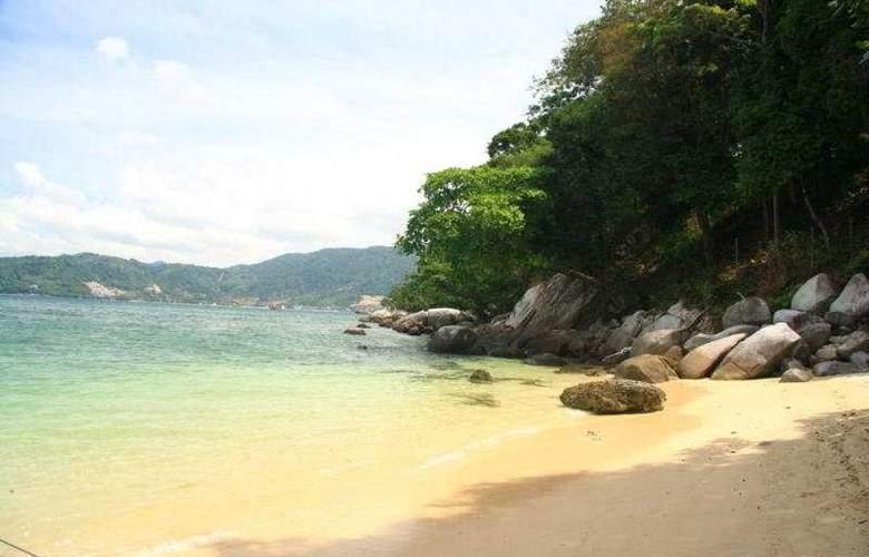 Tri Trang Beach Resort - Beach - 11