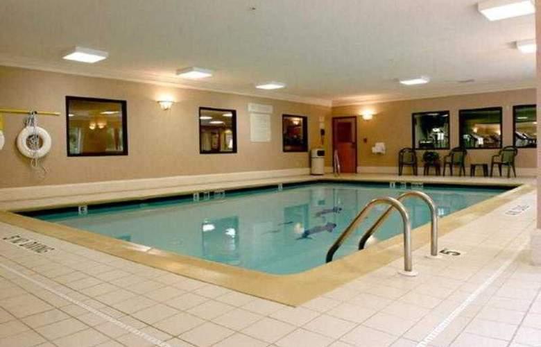 Hampton Inn Portage - Pool - 14