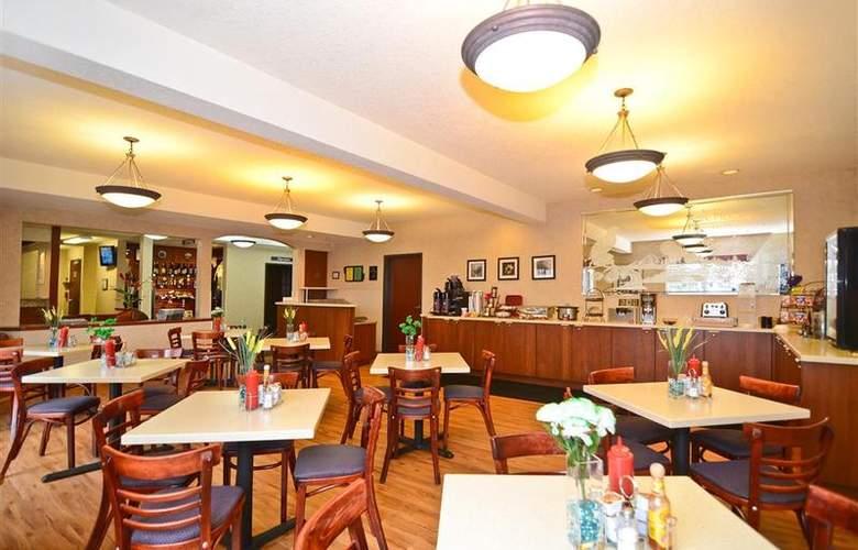 Best Western Plus Park Place Inn - Restaurant - 136