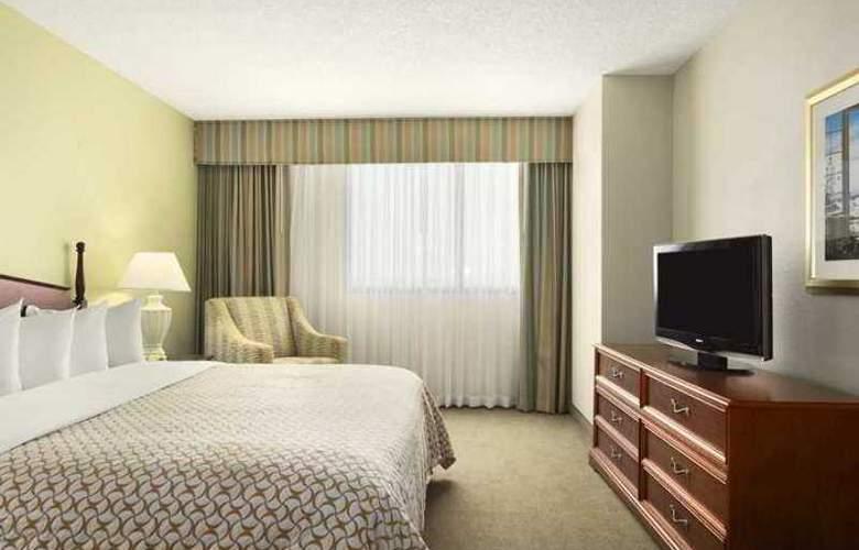 Embassy Suites Tampa - Airport - Westshore - Hotel - 3