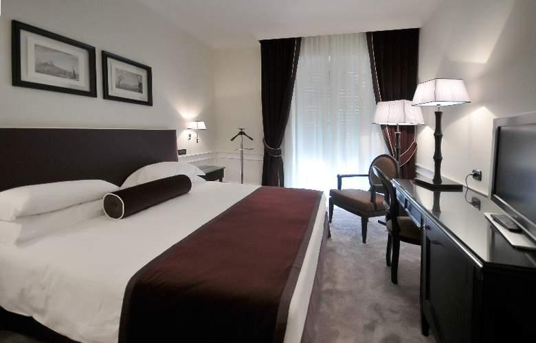 Grand Hotel Oriente - Room - 4