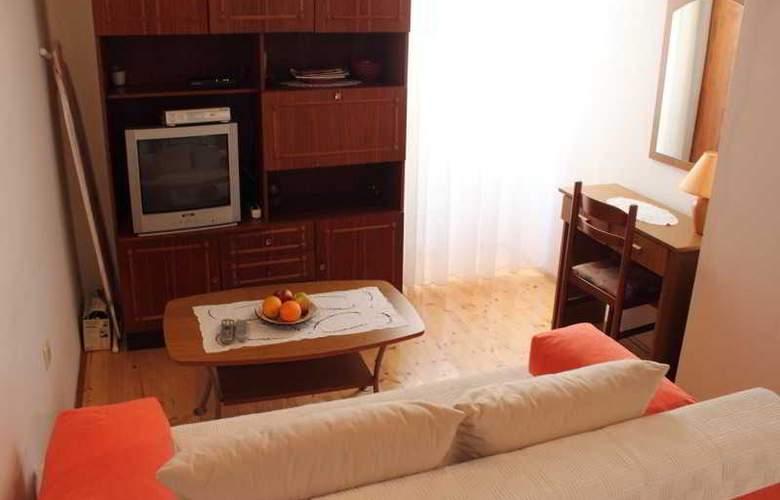 Vesna - Room - 13