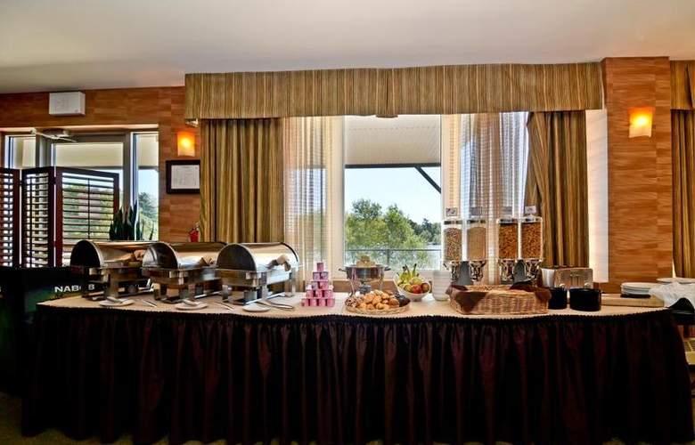 Best Western Chocolate Lake Hotel - Restaurant - 106