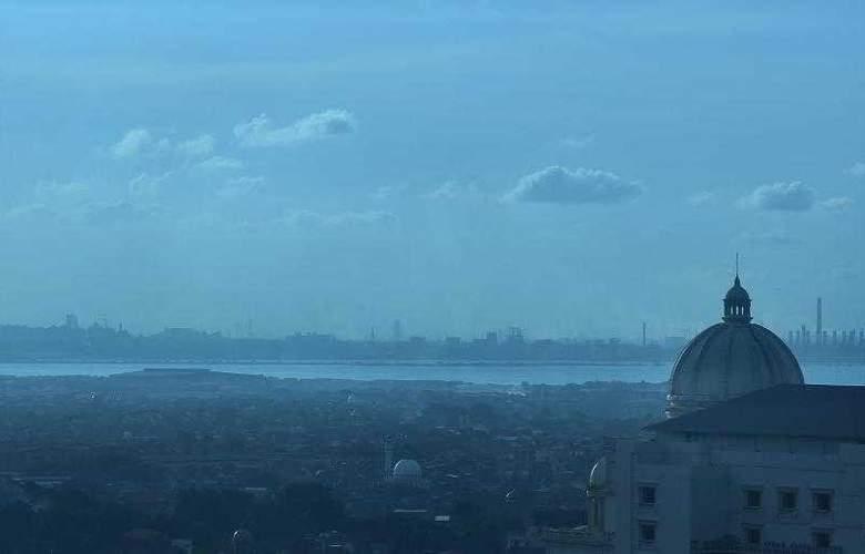 Sheraton Surabaya - Hotel - 9