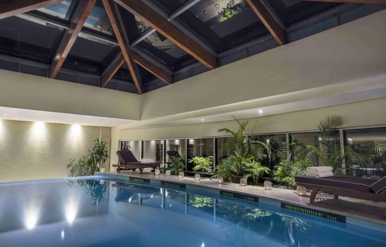 NH Collection Plaza Santiago - Pool - 3