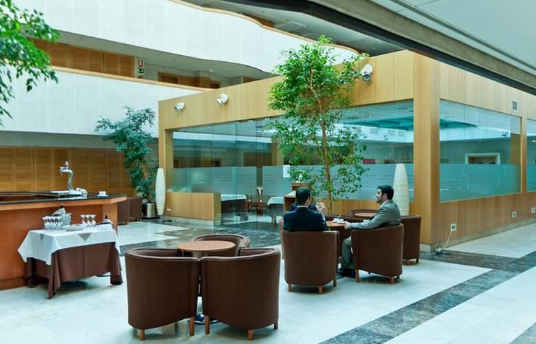 Exe Gran Hotel Almenar - Restaurant - 14