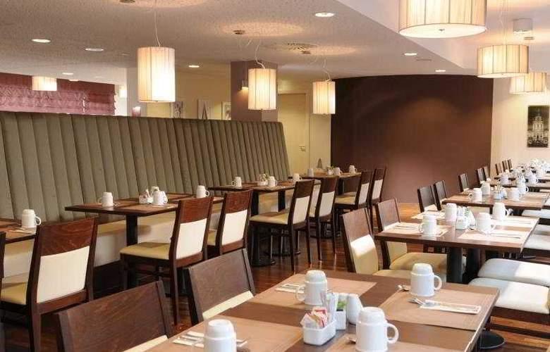 Leonardo Berlin - Restaurant - 20