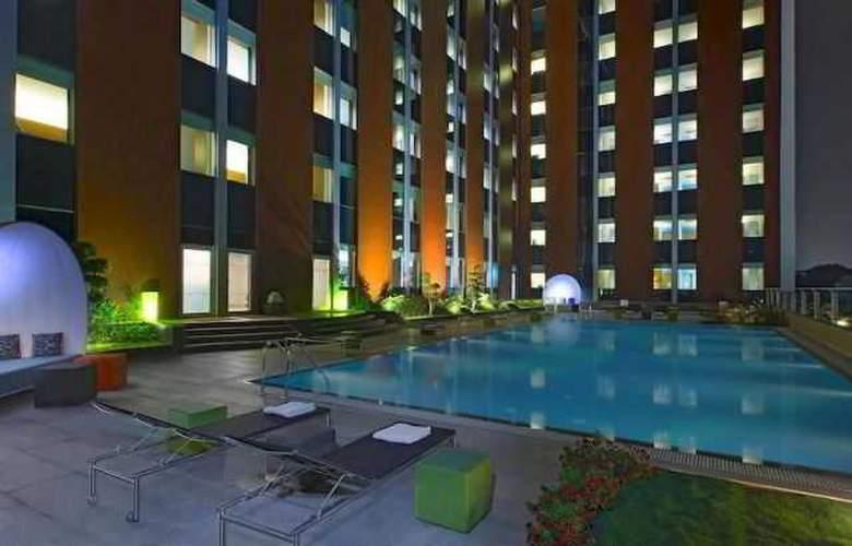 Aloft Bengaluru Cessna Business Park - Pool - 1