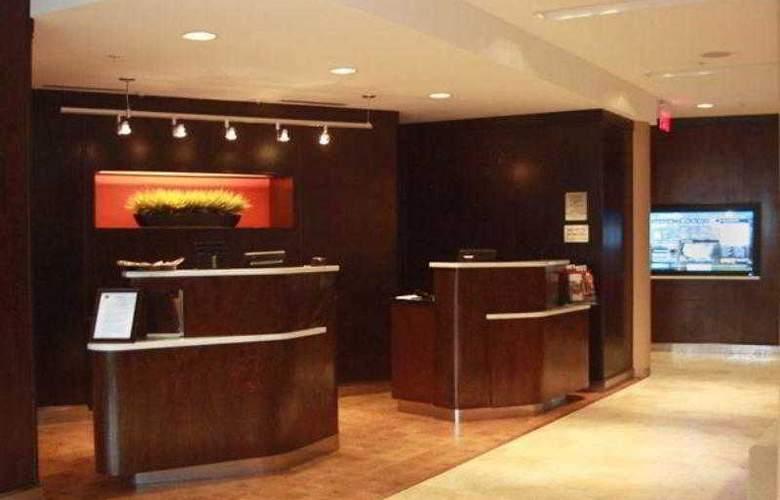 Courtyard Vicksburg - Hotel - 15