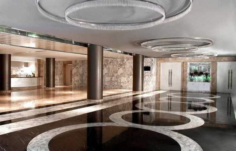Le Royal Meridien - Hotel - 8