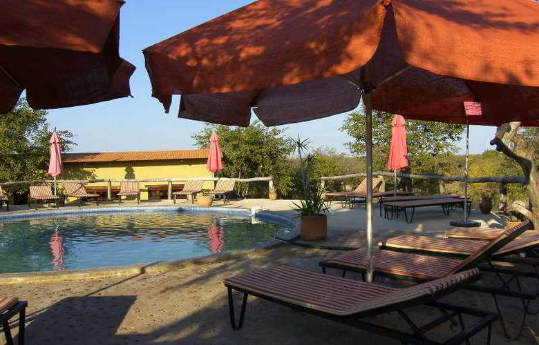 Etosha Safari Camp - Pool - 4