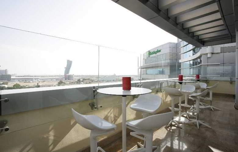 Holiday Inn Abu Dhabi - Bar - 12